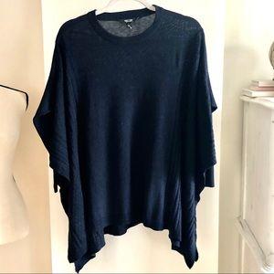 NWOT Vera Wang Sweater/ Poncho. Size S/M
